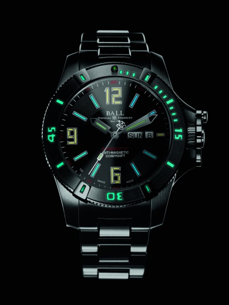 Engineer Hydrocarbon Spacemaster - DM2036A-SCAJ-BK_night