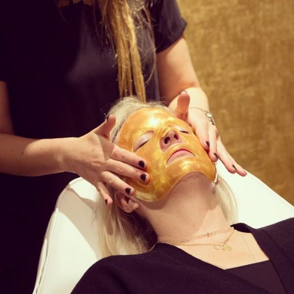 Máscara de oro de OROGOLD Cosmetics