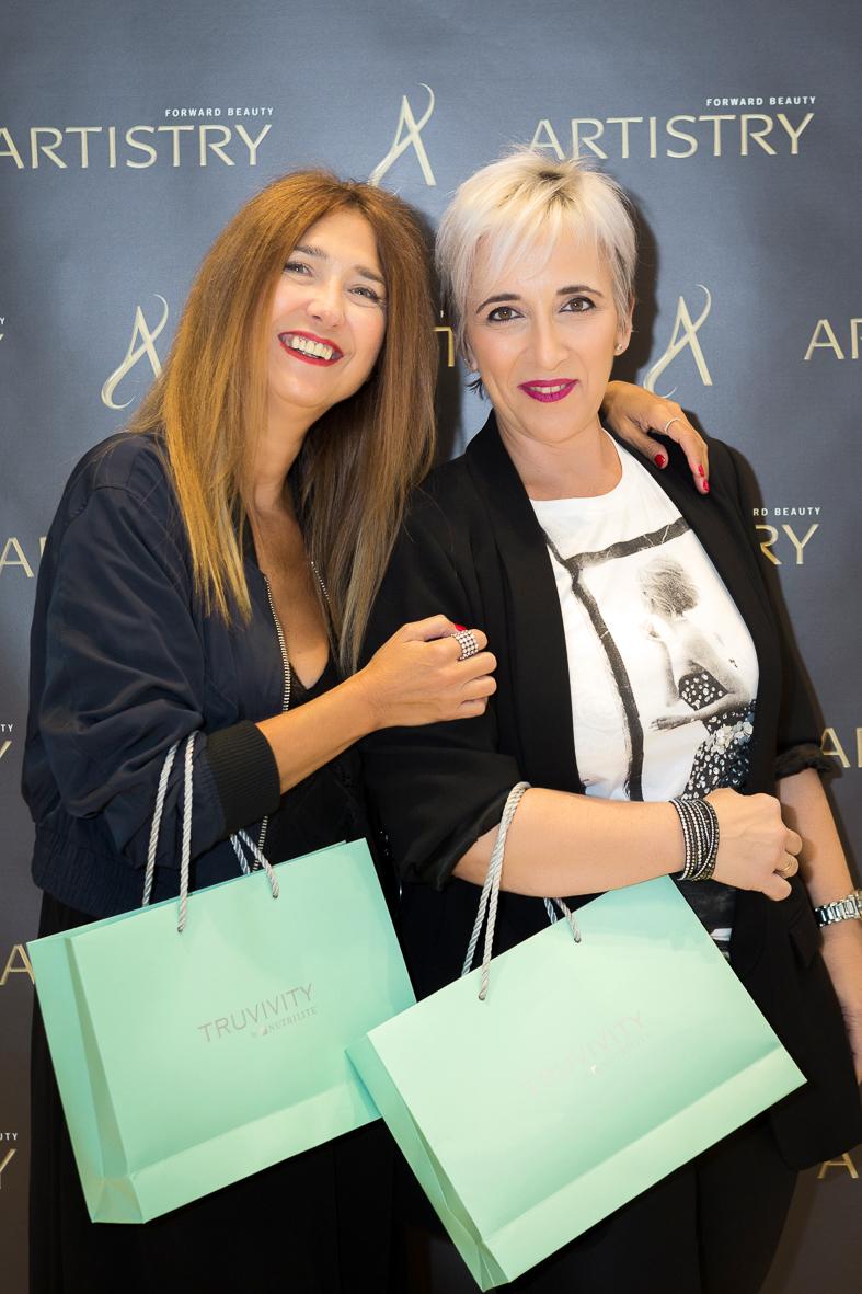Carmen Hummer e Isabel Aguilera, presentación de Truvivity en Amway