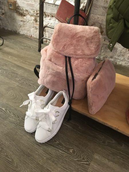 zapatillas y mochila de pelo de stradivarius FW17
