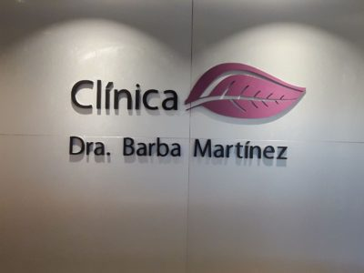 logotipo clínica dra. barba martínez