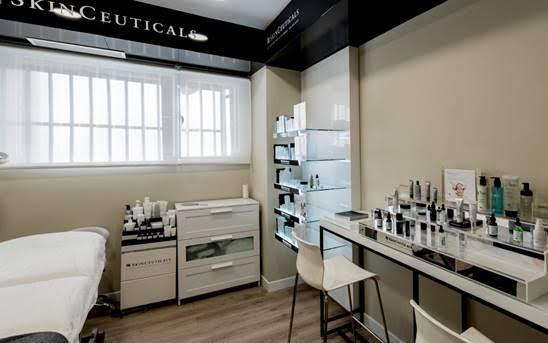 Cabina-Skinceuticals-de-la-clínica-Urban-Clinic
