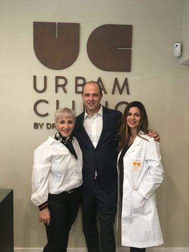 Dr-Moises-Amselem-con-Isabel-Aguilera-en-la-clínica-Urbam-Clinic