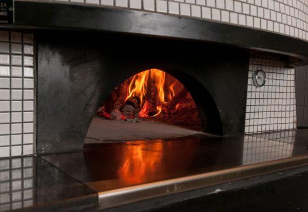Horno-del-restaurante-Roostiq-de-Madrid